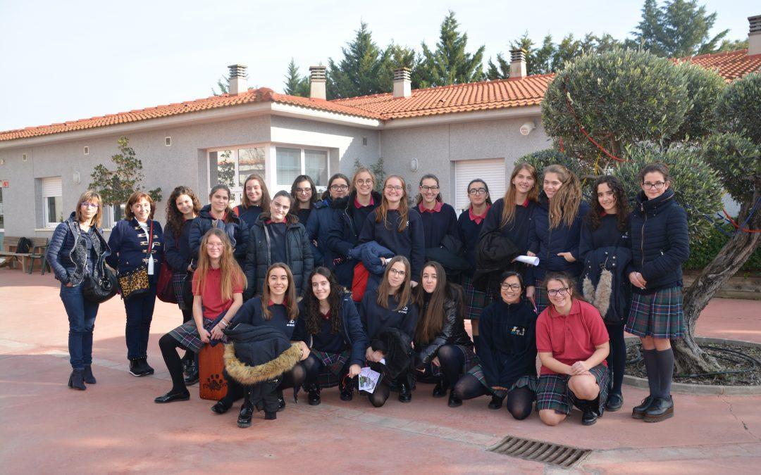 Visita de les alumnes de l'Escola Arabell